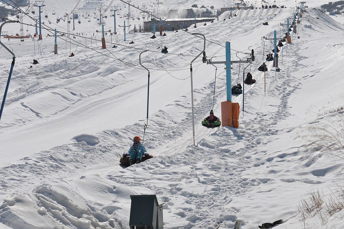 China school ski trip