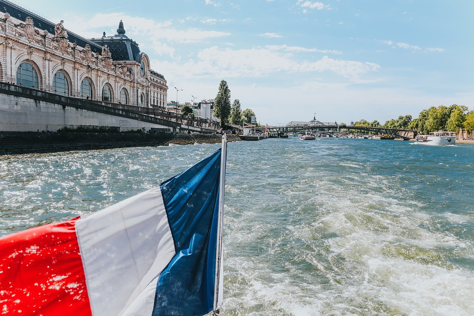 river seine cruise on paris business school trip